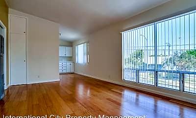 Living Room, 4428 E 6th St, 0