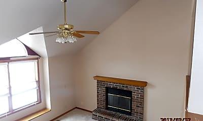Living Room, 15757 Horton St, 1