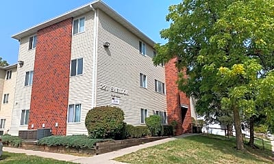 Building, 221 Sheldon Ave, 1