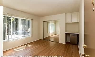 Living Room, 2344 Walnut Ave, 1