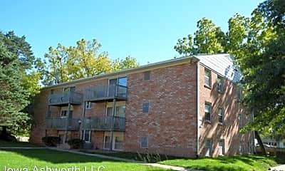 Building, 1020 Ashworth Rd, 2