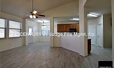 Living Room, 10125 Sourwood Drive, 2