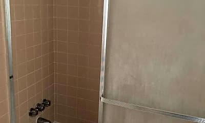 Bathroom, 665 Hartley Ave, 2