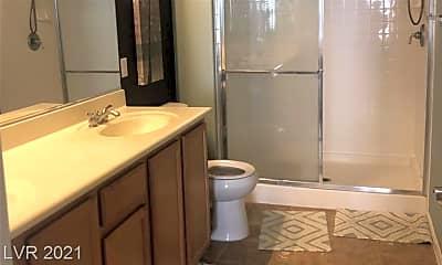Bathroom, 2305 W Horizon Ridge Pkwy 121, 2