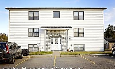Building, 601 Maple St, 1