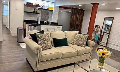 Living Room, 2000 Klingle Rd NW, 0