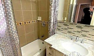 Bathroom, 373 Fairmount Ave, 2