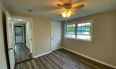 Living Room, 21 Lloyd Ave, 2