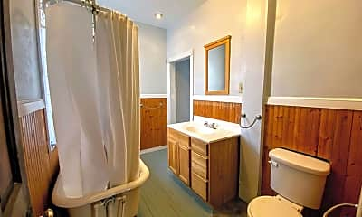 Bathroom, 719 Livingston Ave NE, 2