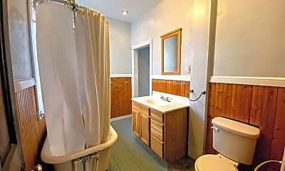 Bathroom, 719 Livingston Ave NE, 2