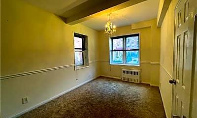 Living Room, 3 Sadore Ln 1L, 2