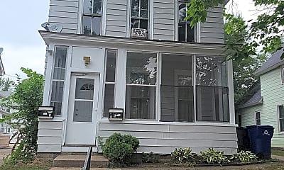 Building, 467 Beaumont St E, 2