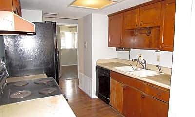 Kitchen, 2833 Posey Dr, 1