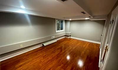 Living Room, 529 Portland Ave, 1