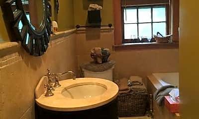 Bathroom, 1404 Ashland Ave, 1