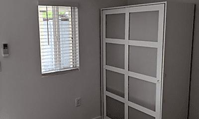 Bedroom, 2412 E Monroe St, 2