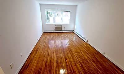 Living Room, 110-35 72nd Dr, 1