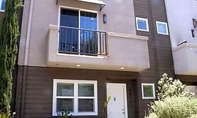 Building, 5674 Hazeltine Ave, 0