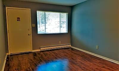 Living Room, 729 W Dixie St, 1