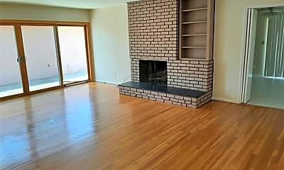 Living Room, 1049 Glenhaven Ave, 1