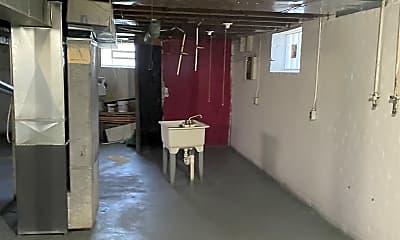 Bathroom, 14287 Freeland St, 2