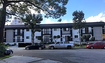 Building, 629 N Kenwood St, 2