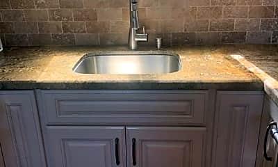 Kitchen, 2141 Loma Dr, 2