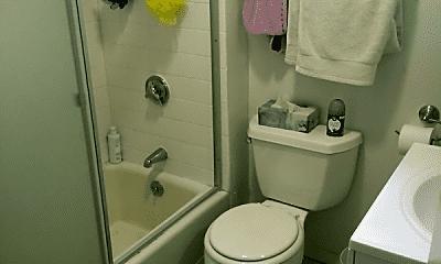 Bathroom, 17 Munroe Ave, 1