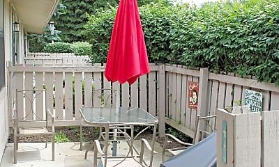 Patio / Deck, Waterbury, 2