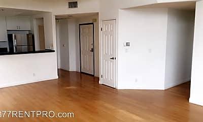 Bedroom, 914 S Wooster St, 1