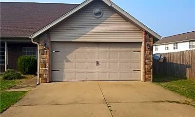 Building, 3304 SW Deerfield Blvd 1, 0