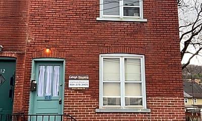Building, 610 E Morton St, 2