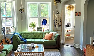 Living Room, 2200 W Cortez St 1F, 1
