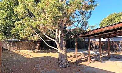 202 A Escuela Ave, 2