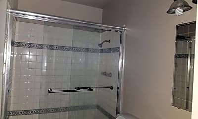 Bathroom, 6838 Bear River Row 3, 2