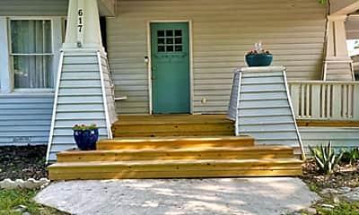Patio / Deck, 617 E Park Ave, 1