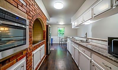 Kitchen, Room for Rent - Live in Central Southwest, 1