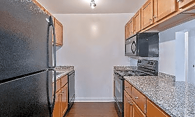 Kitchen, 673 Lake St, 1