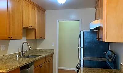 Kitchen, 1616 Hollenbeck Ave, 1