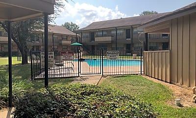 Castlewood Apartments, 2