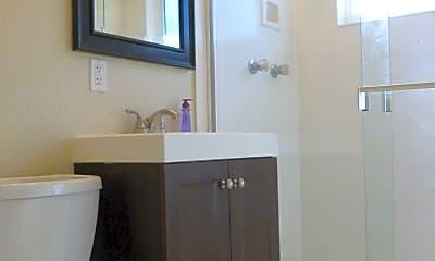 Bathroom, 1199 Louise St, 2