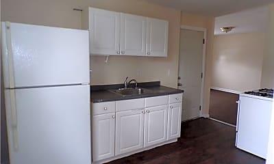Kitchen, 255 Walnut St 3, 1