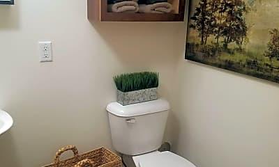Bathroom, 315 Oscar Ave, 2