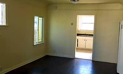 Living Room, 1134 1/2 E 81st St, 1
