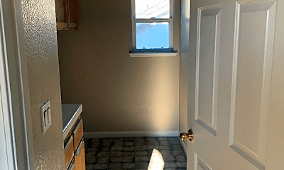 Bathroom, 2084 Riggs Ave, 2
