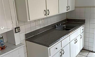 Kitchen, 2321 NW 26th St U, 2