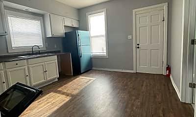 Kitchen, 125 W Hadley St, 1