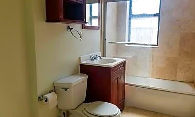 Bathroom, 3558 W Cortland St, 2