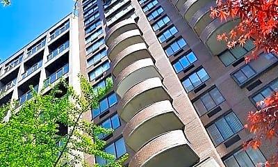 Building, 157 E 32nd St 8C, 1