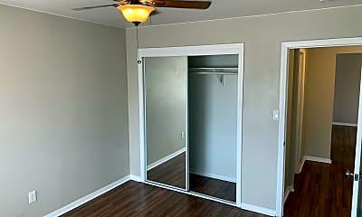 Bedroom, 4331 Swift Ave, 2
